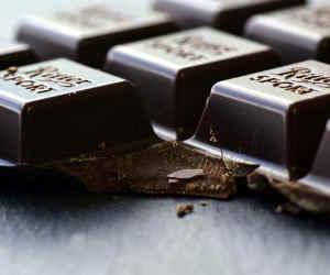 ऐसी वैसी नहीं, खाइए डार्क चॉकलेट तो बढ़ेगी बीमारियों को जीतने की क्षमता! जानिए इसका राज