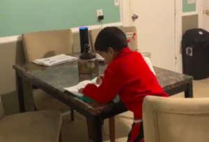 एलेक्सा स्पीकर ने बच्चे का कराया होमवर्क, मां ने पकड़ी ये स्मार्ट चीटिंग