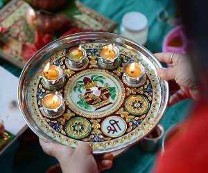 त्योहारों का मौसम लेकर आई है दिवाली, जानिए इस हफ्ते के व्रत और फेस्टिवल