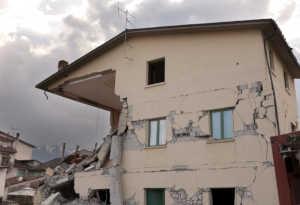 इंडोनेशिया में सुनामी के बाद भूकंप, लोगों के बीच दहशत