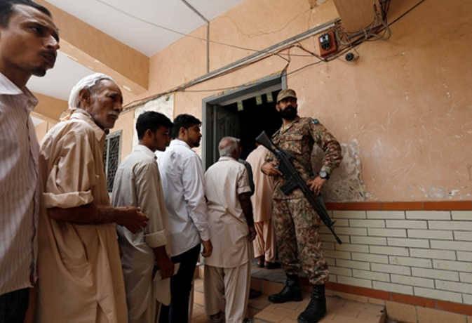 पाकिस्तान में 10 लाख से अधिक वोट किये गए खारिज