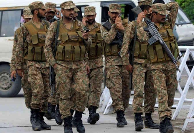 पाकिस्तान में चुनाव का ऐसा है बंदोबस्त, पुलिस नहीं 1000 कफन किये गए तैयार