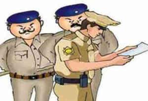 यूपी : फर्जी एनकाउंटर में घायल जिम ट्रेनर के परिजनों को पांच लाख दे सरकार