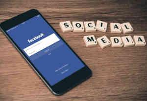ब्रिटेन में डेटा चोरी को लेकर फेसबुक पर लगा 4 करोड़ का जुर्माना