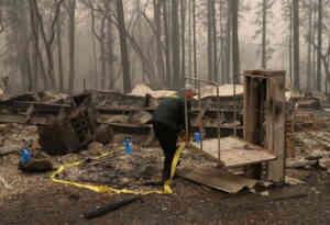 कैलिफोर्निया में पिछले हफ्ते लगी भीषण आग से अब तक 56 लोगों की मौत, 130 अभी भी लापता