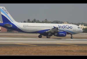 इंडिगो दे रहा 10 लाख सीटों पर सस्ती यात्रा का तोहफा, 999 रुपये से होगी शुरुआत