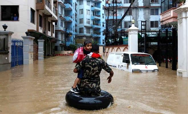 नेपाल में बाढ़ का कहर,24 घंटे में 21 लोगों की मौत