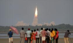 ISRO ने लॉन्च किया GSAT-6A सैटेलाइट, जो भारतीय सेनाओं को देगा संचार की सबसे बड़ी ताकत
