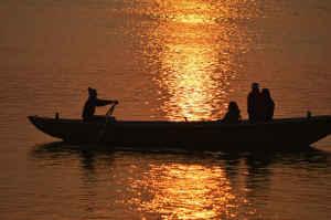 पटना : बढ़ रहा गंगा का जलस्तर, आ सकती है बाढ़