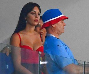 पुर्तगाल की हार का गुस्सा फूटा रोनाल्डो की खूबसूरत गर्लफ्रेंड पर, जॉर्जिना को मिले ऐसे ऐसे कमेंट!