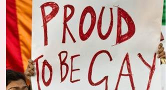 समलैंगिकताः धारा 377 पर पुनर्विचार याचिका
