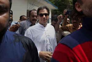 पाकिस्तान ने 14 आतंकियों को फांसी पर लटकाया