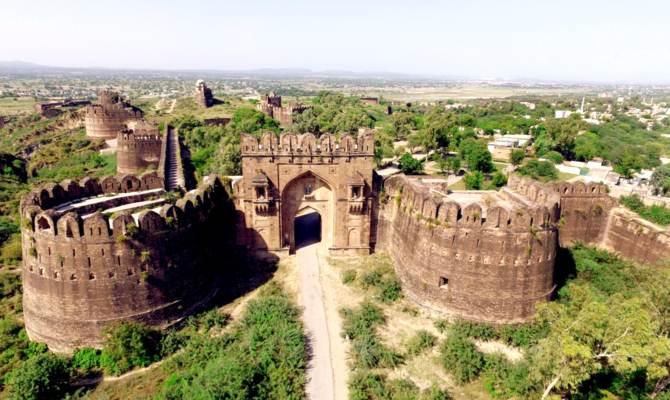 पाकिस्तान के ये सबसे खूबसूरत महल,कभी थे भारत की शान!