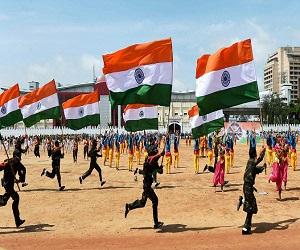 Astrological Predictions for India 2019: भारत के लिए ऐसा रहेगा नया साल