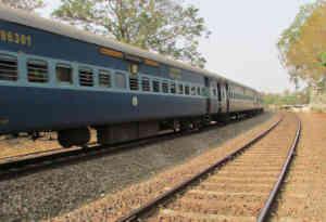 2 एजेंसियों के दफ्तर से भारी संख्या में रेल टिकट बरामद