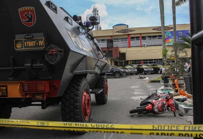 इंडोनेशिया में पुलिस हेडक्वार्टर पर टेरर अटैक, जवाबी हमले में 3 आतंकी ढेर