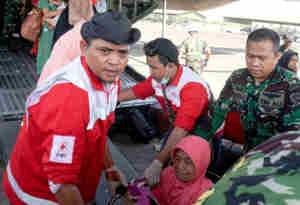 इंडोनेशिया में भूकंप और सुनामी से अब तक 832 लोगों की मौत