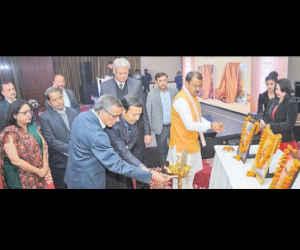 जेसीटीबी में गोरखपुर की दिव्यता और संघर्ष की दास्तान, प्रदेश के डिप्टी सीएम ने किया विमोचन