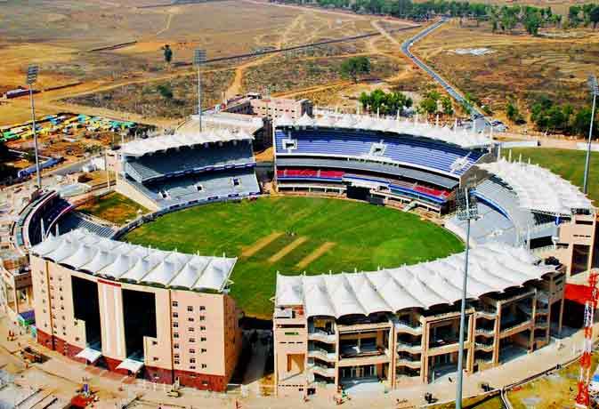 JSCA स्टेडियम में पहली गेंद फेंके जाने के साथ बना इतिहास