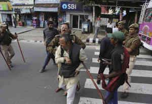 जम्मू कश्मीर के किश्तवार में बीजेपी नेता की हत्या के बाद पांचवें दिन भी कर्फ्यू जारी