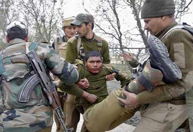 जम्मू-कश्मीर में थाने पर आतंकी मुठभेड़ खत्म, मारे गए दोनों आतंकी, शहीद हुए तीन जवान