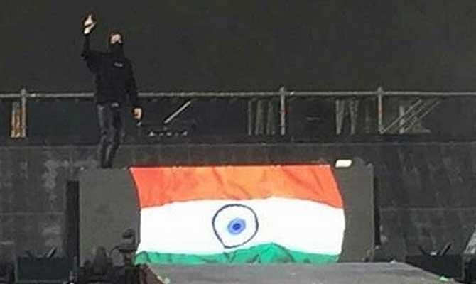 मुंबई शो के लिए स्टेडियम पहुंचे जस्टिन बीबर, आइए देखें इस रॉक शो के आखों देखे नजारे