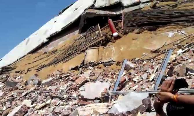 कानपुर में कोल्ड स्टोरेज की बहुमंजिला बिल्डिंग गिरी,खतरनाक गैस रिसाव के बीच 30 से अधिक मजदूर दबे
