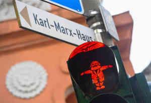 जन्मदिन स्पेशल: जहां के ट्रैफिक लाइटों में भी बसे हैं कार्ल मार्क्स
