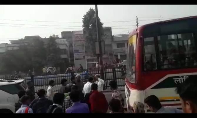 सांसद कठेरिया ने ट्रैफिक पुलिस पर उठाया हाथ