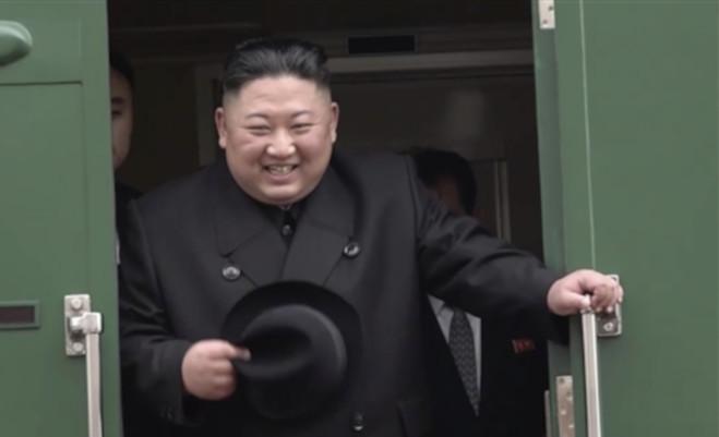 किम पुतिन समिट : ट्रेन से रूस पहुंचे किम जोंग,कोरियाई प्रायद्वीप और द्विपक्षीय संबंधो पर करेंगे बात