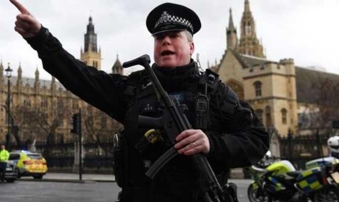 लंदन हमला: आठ गिरफ़्तार,4 अहम सवाल