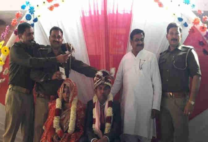 गजब: यहां पुलिस ने फालोअर से ही करा दी लापता युवती की शादी, अब परिजन मांग रहे बेटी