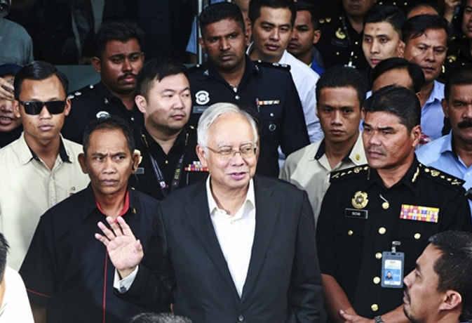 पूर्व मलेशियाई पीएम का छुपा खजाना हुआ जब्त, जान कर हैरान रह जायेंगे कीमत है