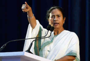 West bengal Exit Poll 2019: पश्चिम बंगाल में बीजेपी लगा रही टीएमसी के किले में सेंध