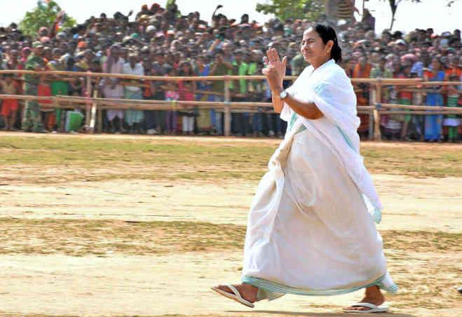 ममता बनर्जी जन्मदिन : कम उम्र में संभाला घर,फिर बनीं बंगाल की पहली महिला मुख्यमंत्री