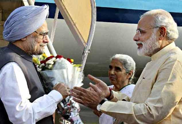 मनमोहन ने दी मोदी को बधाई