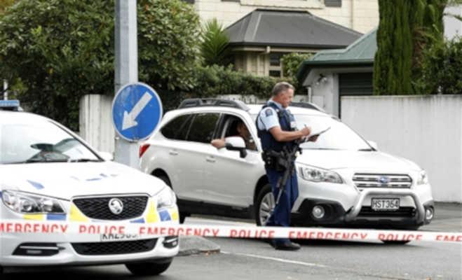 न्यूजीलैंड की मस्जिद में फायरिंग,49 की मौत,पुलिस ने पकड़े चार संदिग्ध