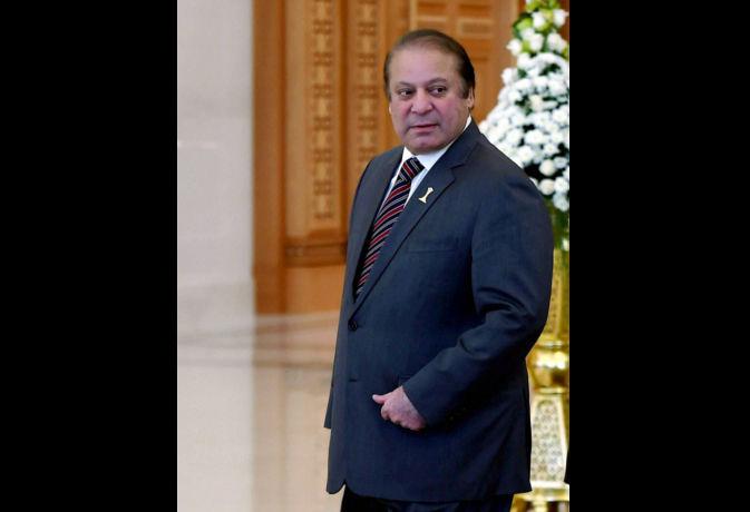अब पाकिस्तान में आजीवन चुनाव नहीं लड़ पायेंगे नवाज शरीफ, सुप्रीम कोर्ट ने अयोग्य करार दिया