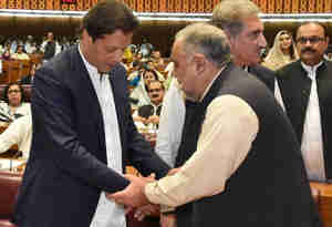 इमरान खान : एक क्रिकेटर, जिसने प्रधानमंत्री बनने के लिए 22 वर्षों तक किया संघर्ष