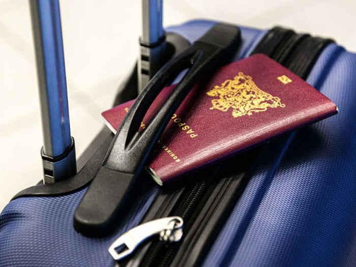 most powerful passports 2020: बिना वीजा 58 देशों की यात्रा करते हैं भारतीय नागरिक,ये हैं दुनिया के टॉप 10 शक्तिशाली पासपोर्ट