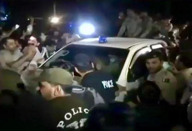 जानें पाकिस्तानी सेना मुख्यालय के बाहर क्यों लगे ISI मुर्दाबाद के नारे