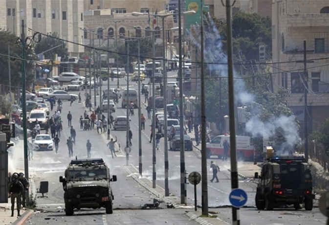 यरुशलम में अमेरिकी दूतावास खुलने को लेकर भड़की हिंसा, 58 की मौत और 2,700 घायल