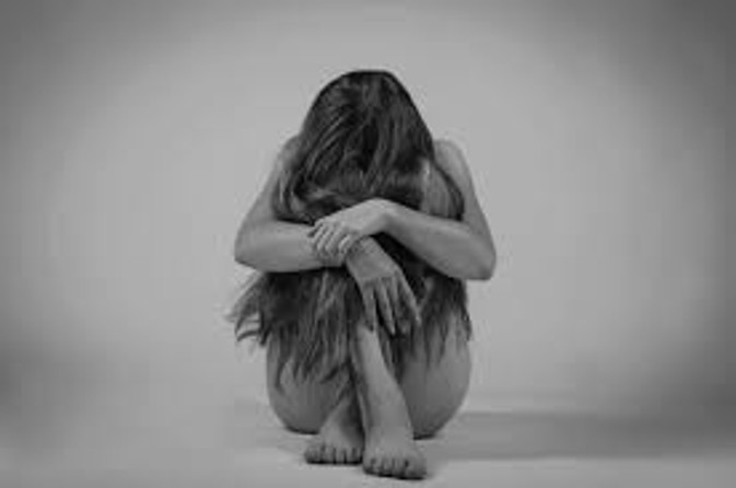 युवती का अश्लील वीडियो बना करते रहे ब्लैकमेल