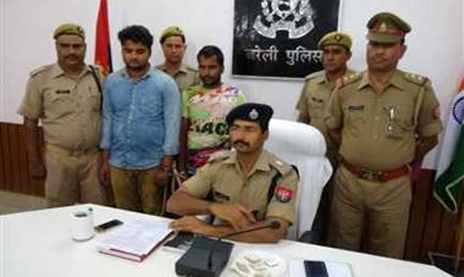 बरेली में प्रधान ने वीडीओ के साथ मिलकर की थी महिला की हत्या,दोनों हुए गिरफ्तार