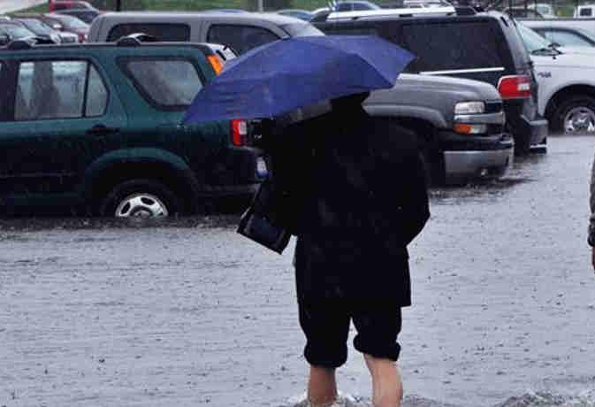 मौसम का मिजाज देखकर ही करें प्लान, यूपी समेत इन 13 राज्यों में आज झमाझम बारिश!