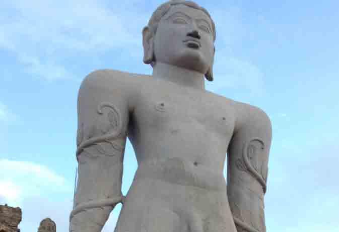 जानें असली बाहुबली की कहानी, कर्नाटक में है 57 फुट ऊंची प्रतिमा