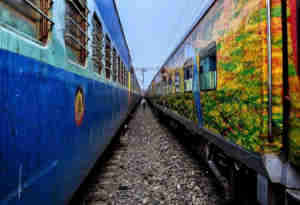 कुंभ 2019 : वाराणसी और प्रयागराज के बीच चलेगी मुंबई लोकल जैसी ट्रेन