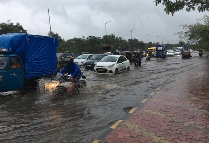 माैसम : पंजाब से लेकर केरल तक बारिश मचाएगी आफत,असम में मिलेगी राहत