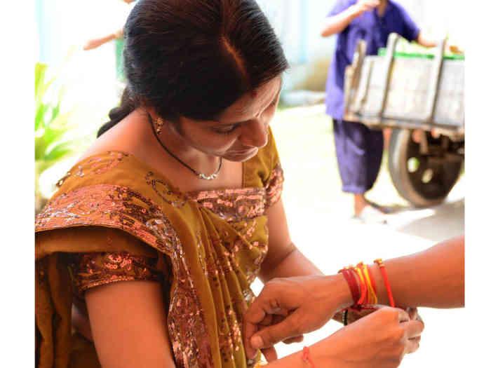 happy raksha bandhan 2019: ये है प्यार और हिफाजत का पर्व तो इस बार भेजें कुछ खास विशेज