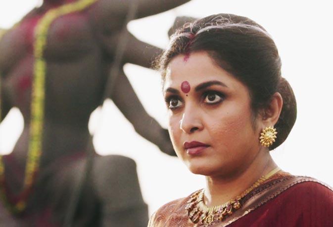 बाहुबली की मां का ऐसा लुक नहीं देखा होगा आपने, अमिताभ और रजनीकांत के साथ कर चुकी हैं काम